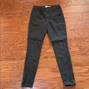 Green pants with ankle zipper